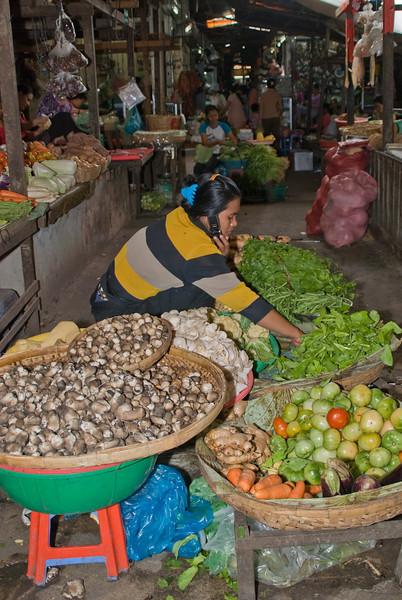 At he Market Phnom_Penh-5583