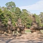 2008_02_25_South_gate_Angkor_Thom-3285