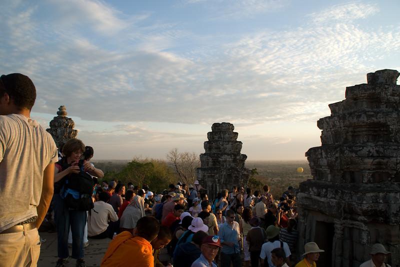 2008_02_25_sunset_at_Phnom_Bahkeng-3387