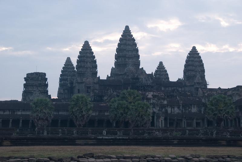 2008_02_25_Sunrise_at_Angkor_Wat-3545