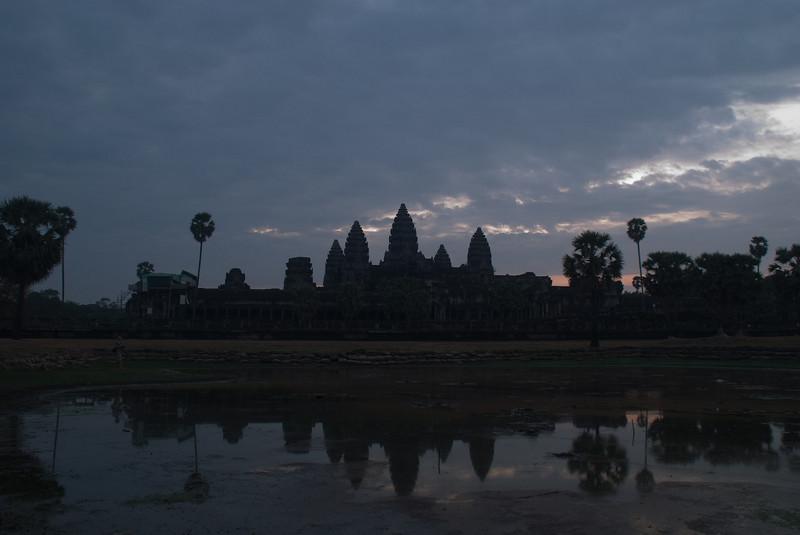 2008_02_25_Sunrise_at_Angkor_Wat-3547