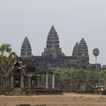 2008_02_26_Angkor_Wat_entrance-3951