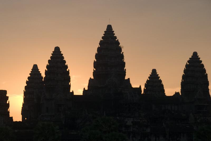2008_02_25_Sunrise_at_Angkor_Wat-3618