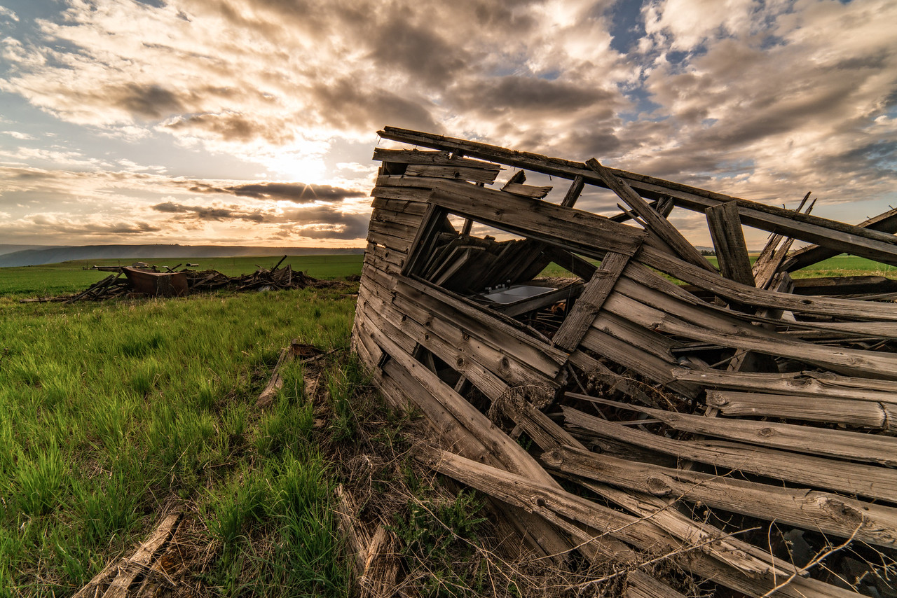 Old ranch house falling down