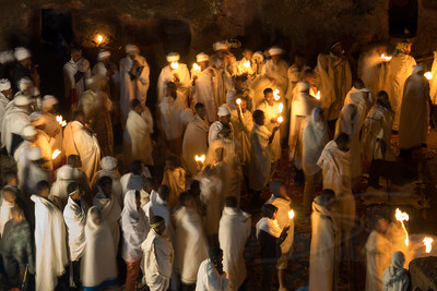 Candlelit Easter service at Bet Giyorgis