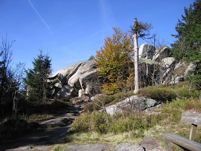 Nusshardt uitzichtpunt op granietrotsen