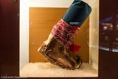 Reindeer skin winter shoes