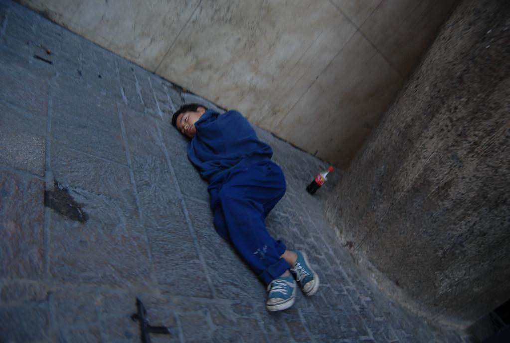 Street kid sleeps in BA