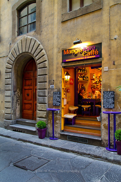 Small cafe on Borgo Santi Apostoli Street, Florence, Firenze, Italy