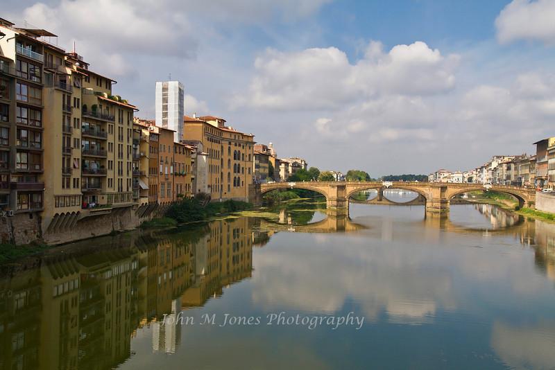 Ponte Santa Trinita and the Arno River, Florence, Firenze, Italy