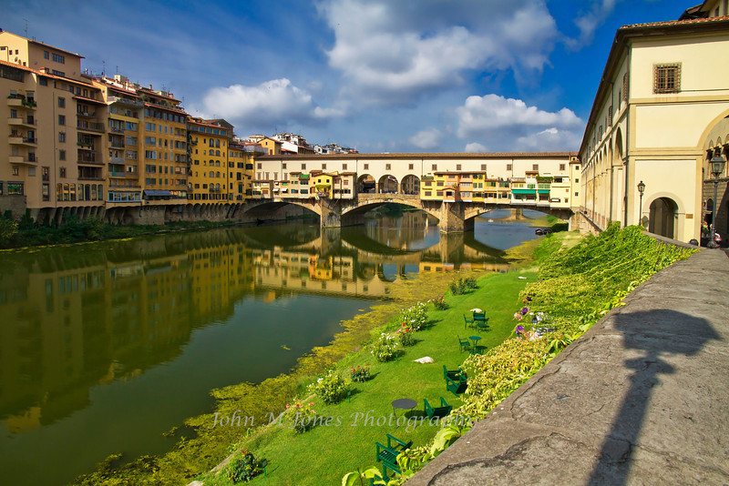 Ponte Vecchio spanning the Arno River, Florence, Firenze, Italy