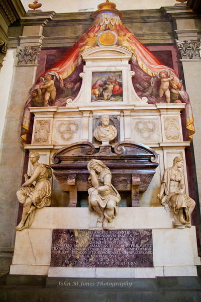 Tomb of Michelangelo, Basilica di Santa Croce, Florence, Firenze, Italy