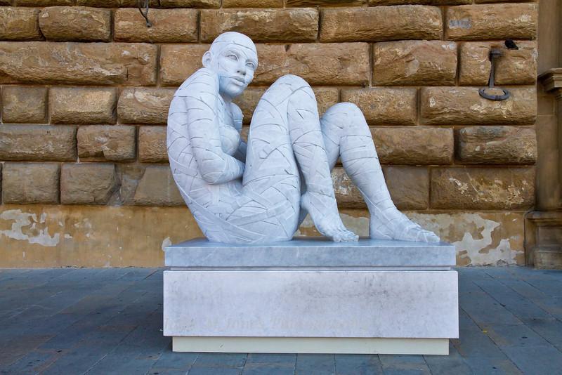 Rabarama's In-Cinta Sculpture, Palazzo Pitti, Florence, Firenze, Italy