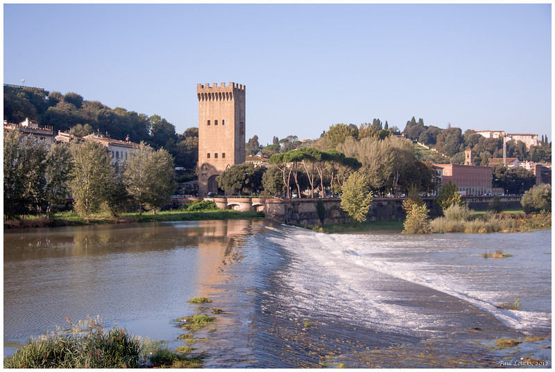 South of the Arno on the walk to downtown from our hotel.