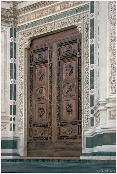 Main entrance to Santa Croce.