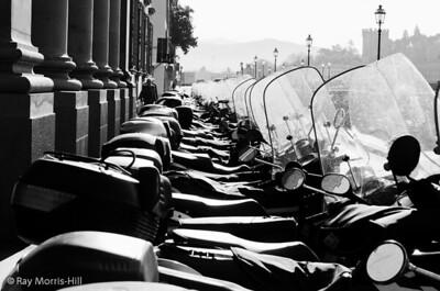 Motor bikes on Lungarno Diaz