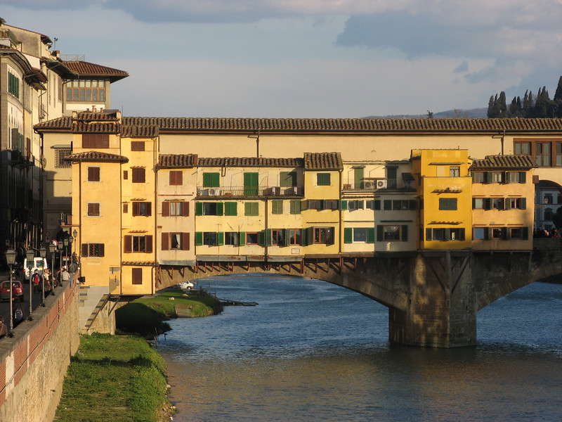 Ponte Vecchio from down river