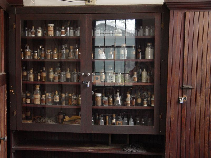 <b>Front Room of Edison's Laboratory</b> - The chemical laboratory is one of the most absorbing features of the Edison Estate. Here, workers helped Edison in his research on goldenrod as a source of natural rubber. (January 22, 2005)