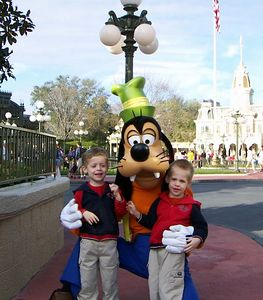 Brady & Alex with Goofy