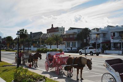Carriages along Avenida Menendez