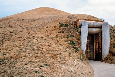 mound_entrance-t0084