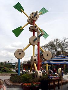 Tinker Toy Model - Downtown Disney®