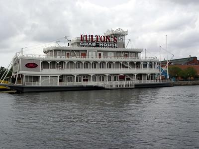 Fulton's Crab House - Downtown Disney®