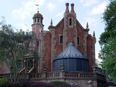 The Haunted Mansion - Liberty Square
