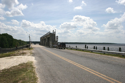 The road going over the Kirkpatrick Dam.