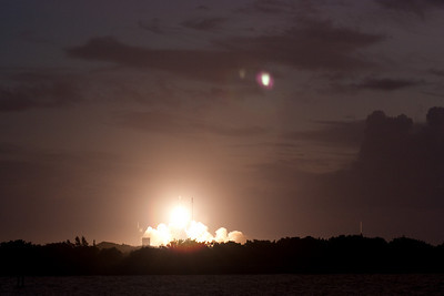 Delta 2 launch of GPS satellite, as seen from  Jetty Park, Cape Canaveral, FL (6:35am, Aug 17, 2009)
