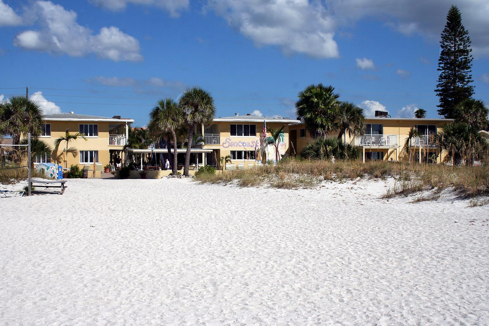 Beautiful Suncoast Motel, Treasure Island our home for a week.