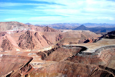1/17/07 - One last look across the huge mine, only a fraction of which can be seen from this viewpoint along US-191.