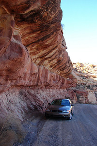 1/15/07 - For a short portion of the climb the road is undercut into the rock face, leaving a noticeable overhang.
