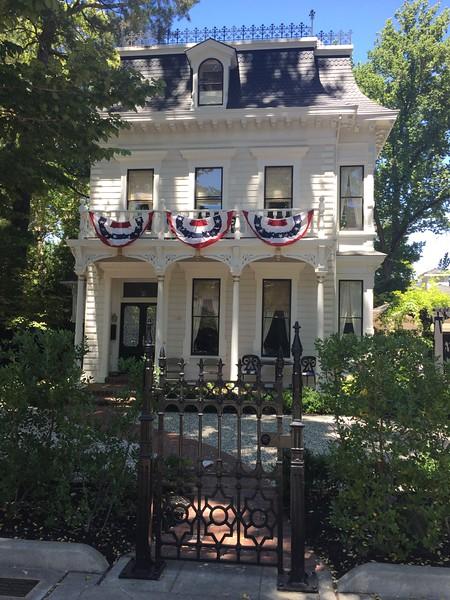 Love this quaint little mansion in Calistoga.