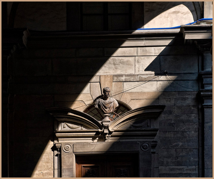 uffizi in shadows s