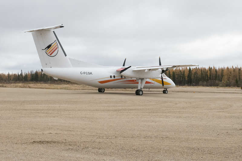 Air Creebec DHC-8 C-FCSK at Fort Albany.