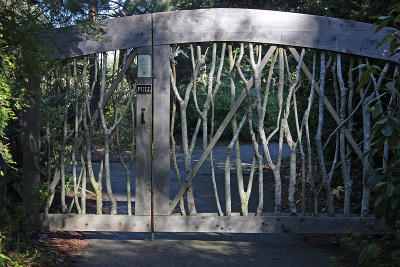 Door to keep deer out of Botanic Gardens