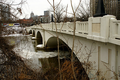 Concrete arch bridge over Maumee River on Columbia Ave