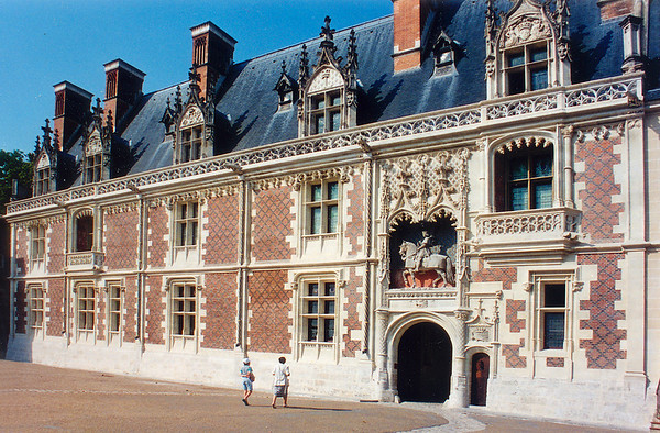 Entrance wing Chateau de Blois France - Jul 1996