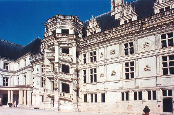 Escalier - staircase Chateau de Blois France - Jul 1996