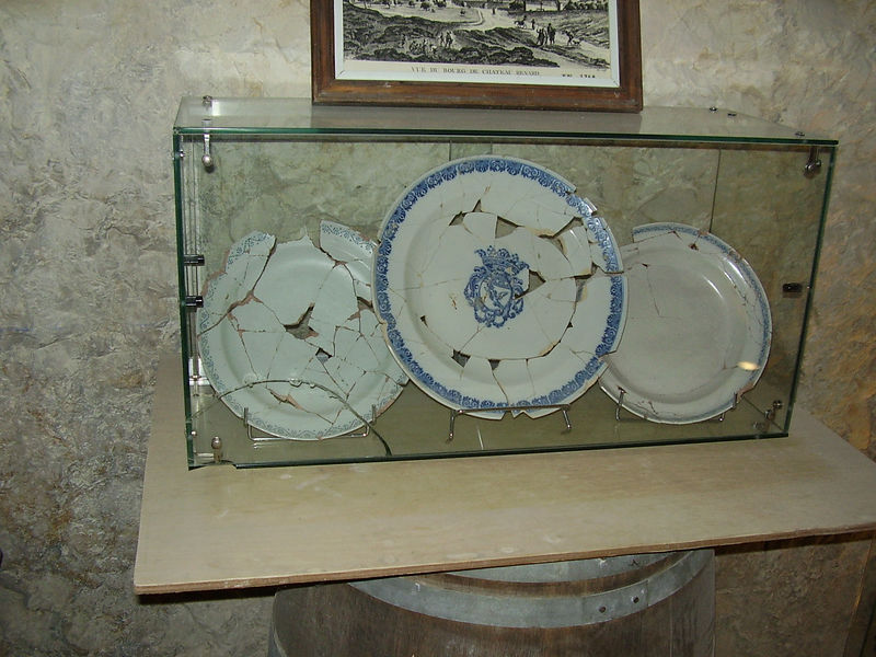 Some of the reconstructed china found in the well in the castle at Châteaurenard.