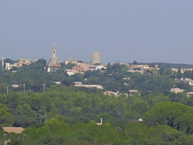 Testing my zoom. The village of Remoulins taken from the Pont du Gard.