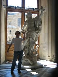 Ian posing at the Louvre.