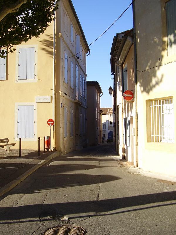 A street in Châteaurenard.
