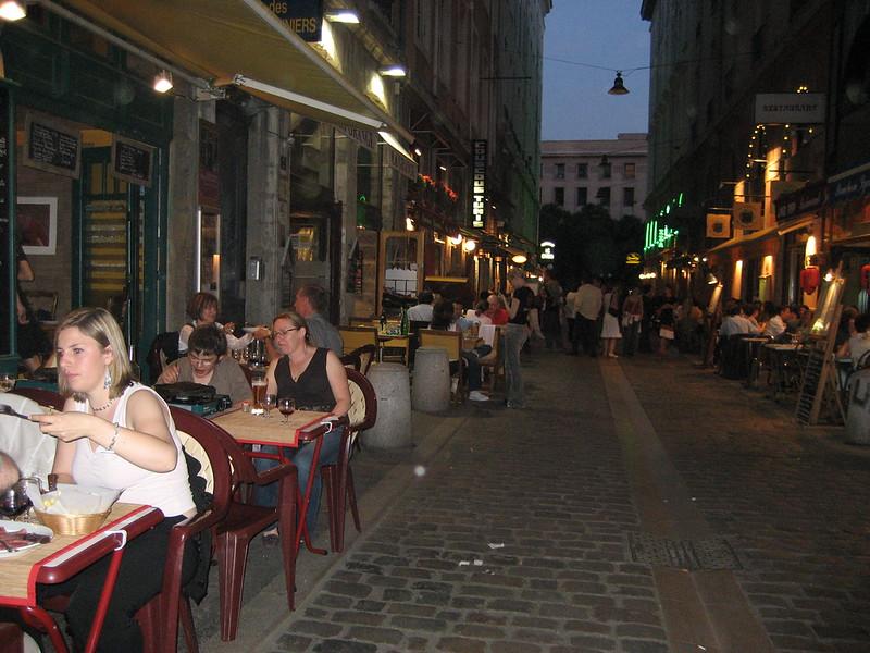 Lyon, outdoor dining