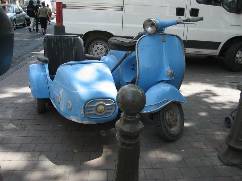 Vespa & sidecar