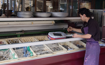 Aix-en-Provence: Fish Counter