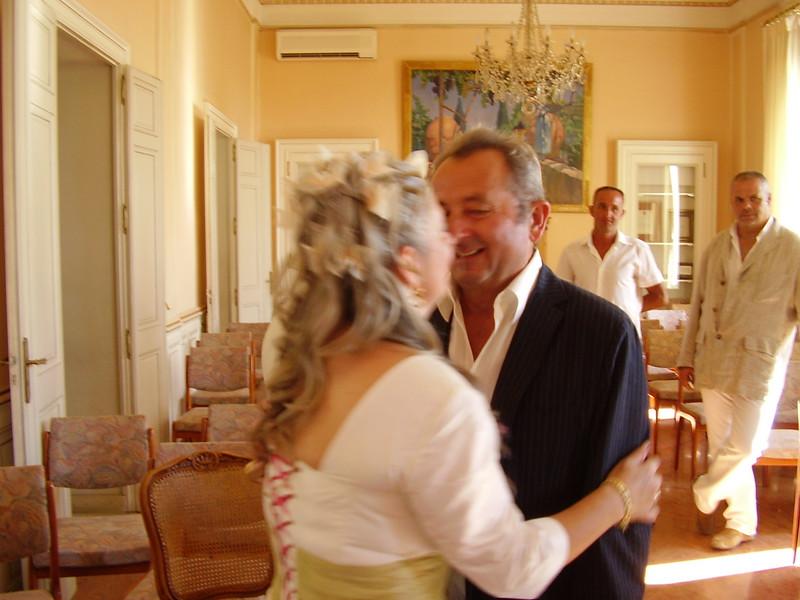 André congratulates his sister.