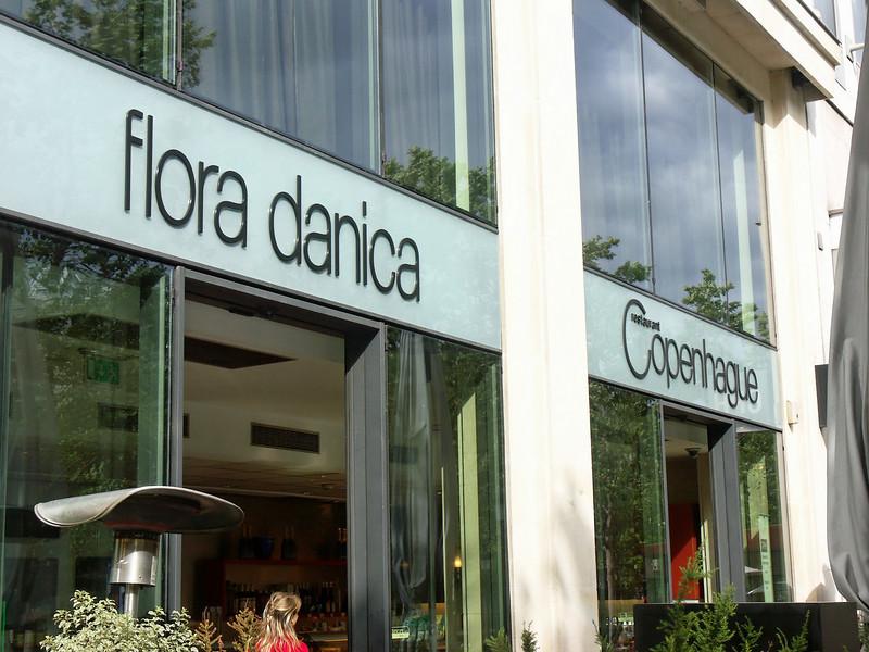Flora Danica, Avenue des Champs-Elysees
