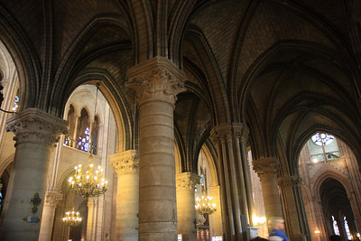 Notre Dame, Interior - Ribbed Vaults at Side Aisles